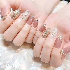 圆形豆沙色银色白色钻新娘美甲图片