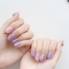 圆形香芋紫色金银线美甲图片