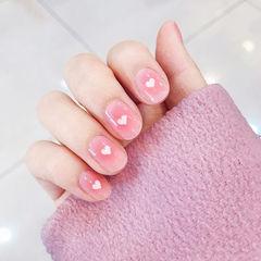 圆形粉色腮红甲美甲图片