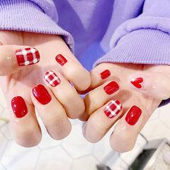 方圆形红色手绘格纹心形短指甲美甲图片