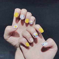 方圆形黄色白色手绘短指甲学生美甲图片