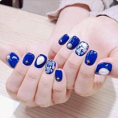 方圆形蓝色贝壳片珍珠美甲图片