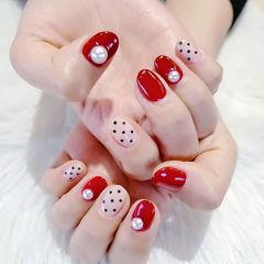 圆形红色波点珍珠美甲图片