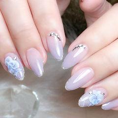 圆形香芋紫色钻手绘雕花日式美甲图片