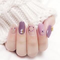 圆形紫色裸色珍珠干花金箔美甲图片