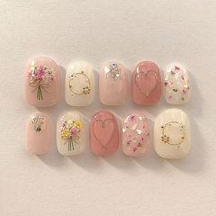 方圆形粉色白色干花贝壳片金箔金属饰品春天美甲图片