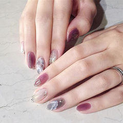圆形紫色灰色手绘日式晕染美甲图片