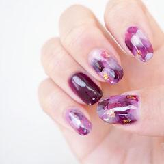 圆形紫色晕染金箔美甲图片