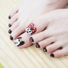 脚部红色黑色手绘可爱卡通米奇美甲图片