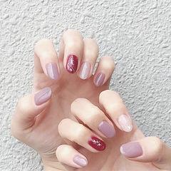 圆形香芋紫色玫红色白色跳色美甲图片