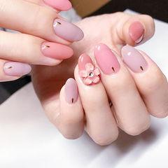 圆形粉色香芋紫色雕花日式美甲图片