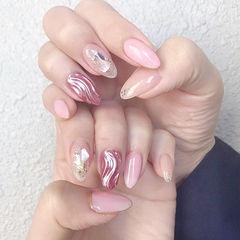 圆形粉色水波纹贝壳片日式美甲图片