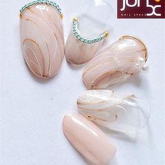 圆形裸色手绘饰品珍珠日式美甲图片