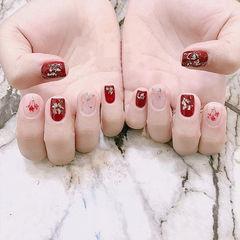 方圆形红色贝壳片干花新娘美甲图片