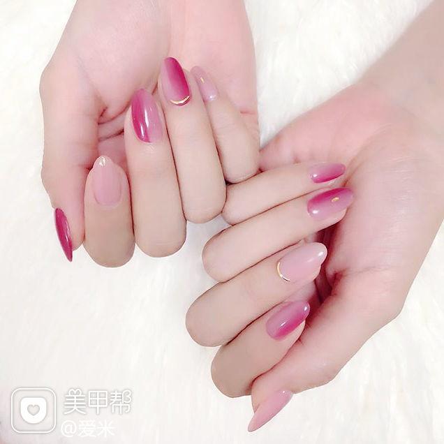 圆形玫红色粉色竖形渐变简约美甲图片