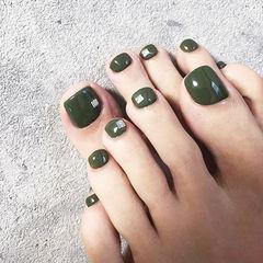 脚部绿色简约纯色美甲图片