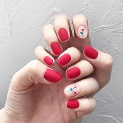 方圆形红色手绘花朵磨砂简约美甲图片