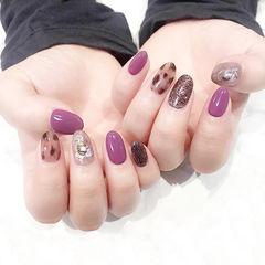 圆形紫色棕色手绘豹纹贝壳片美甲图片