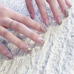 圆形银色晕染贝壳片短指甲日式美甲图片
