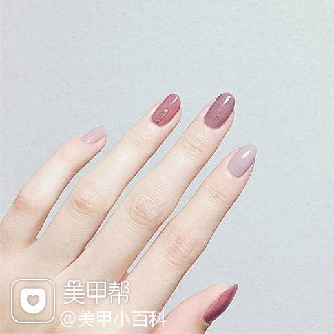 圆形豆沙色香芋紫色跳色简约上班族美甲图片