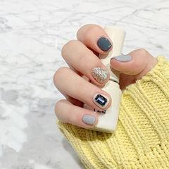 方圆形银色灰色钻跳色短指甲美甲图片