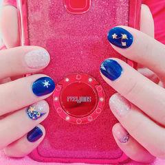 圆形蓝色银色金属饰品短指甲研习社美甲帮研习社0基础学员作品,想学加微信mjbyxs6美甲图片