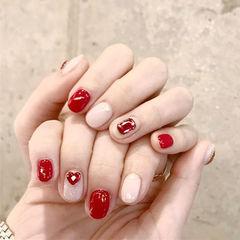 圆形红色白色钻跳色美甲图片