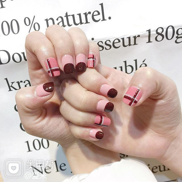 方圆形酒红色粉色线条圆法式美甲图片