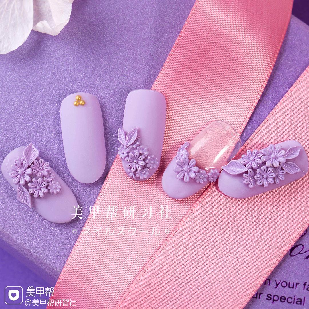 圆形紫色雕花磨砂研习社美甲帮研习社作品,想学加微信mjbyxs3美甲图片