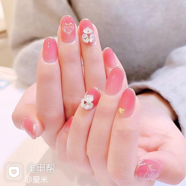 圆形粉色钻包边新娘美甲图片
