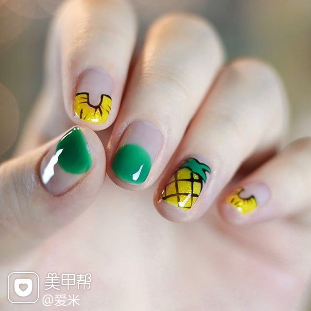 方圆形黄色绿色手绘水果圆法式美甲图片
