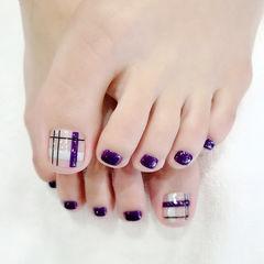 脚部紫色线条美甲图片