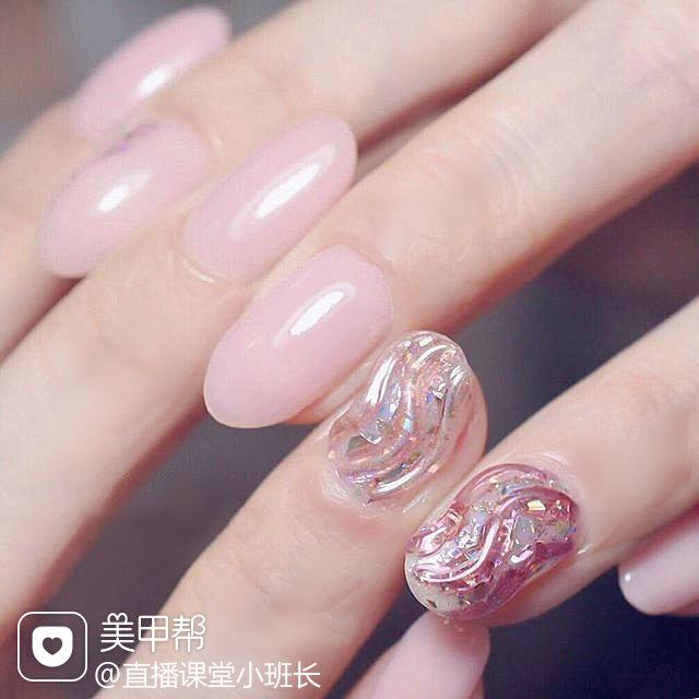 圆形粉色银色水波纹美甲图片