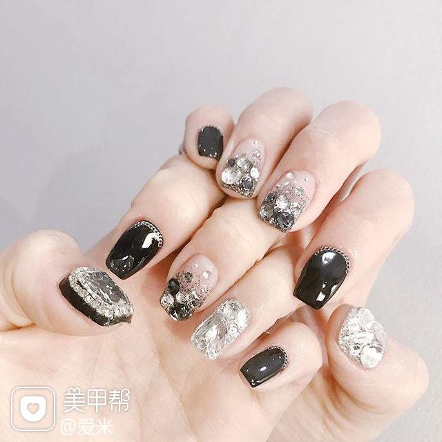 方圆形黑色钻韩式美甲图片