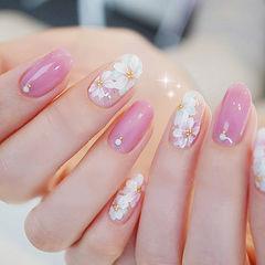 圆形粉色白色手绘花朵春天日式ins美图分享,想学同款加微信mjbyxs6美甲图片