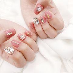 方圆形粉色钻珍珠美甲图片