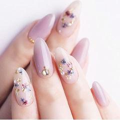 尖形香芋紫色钻干花春天美甲图片