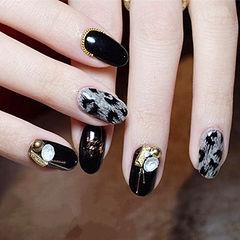 圆形黑色手绘豹纹钻美甲图片