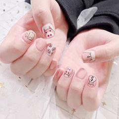 方圆形粉色白色手绘小猪可爱美甲图片
