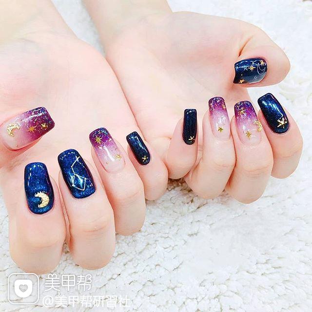 方圆形蓝色紫色渐变星月金属饰品ins美图分享,想学美甲咨询微信mjbyxs6哦~美甲图片