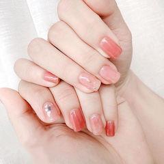 方圆形粉色贝壳片简约上班族美甲图片