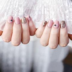 方圆形粉色金色手绘心形跳色美甲图片