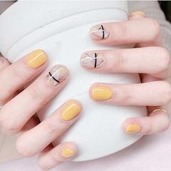 方圆形黄色裸色晕染线条简约美甲图片