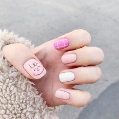 方圆形粉色白色玫红色手绘可爱格子磨砂ins美图分享,想学美甲咨询微信mjbyxs6哦~美甲图片