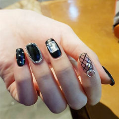 方圆形黑色钻网纹韩式磨砂美甲图片