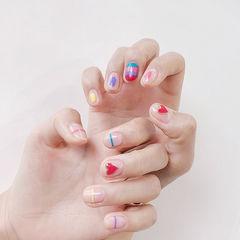 圆形红色粉色蓝色黄色手绘彩虹线条美甲图片