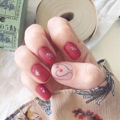 方圆形红色干花磨砂心形美甲图片