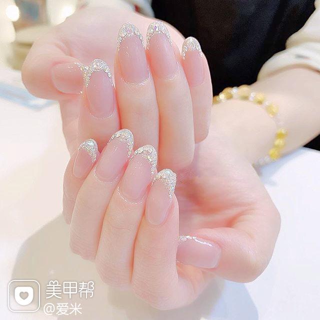 圆形银色亮片法式新娘美甲图片