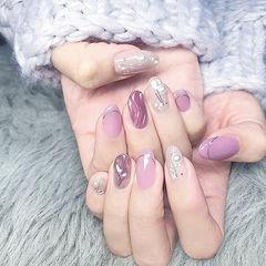 圆形粉色紫色水波纹珍珠ins美图分享,想学美甲咨询微信mjbyxs6哦~美甲图片