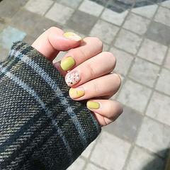 方圆形绿色贝壳片金箔简约短指甲美甲图片
